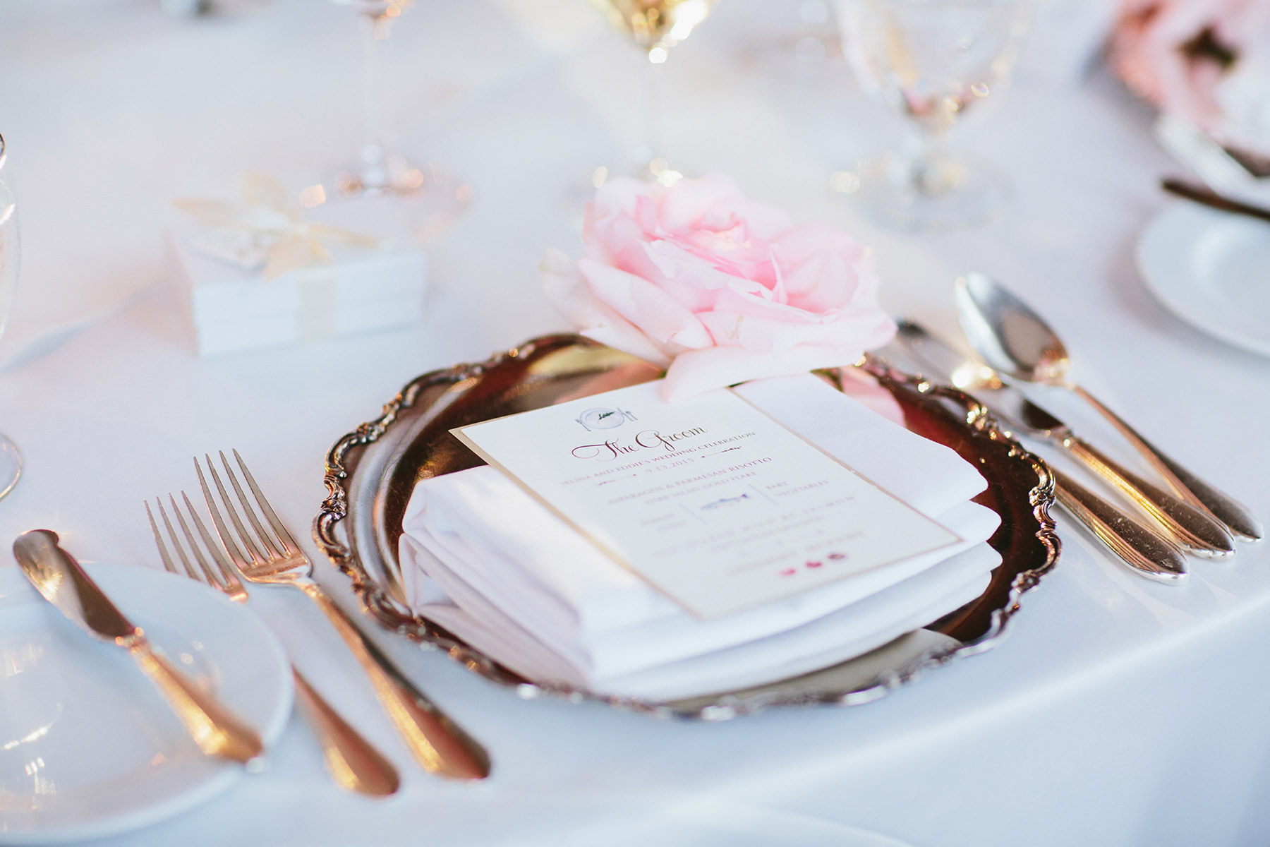 36b-pink-ivory-place-setting-vancouver-club - Lucida Photography